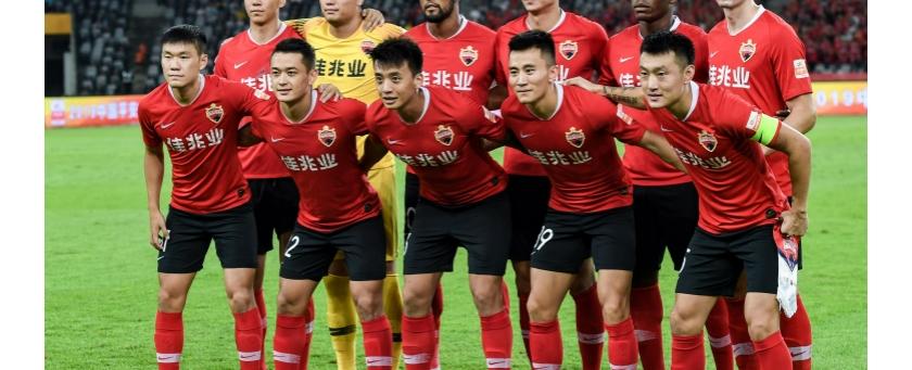 深圳佳兆业迎战青岛  2比1 巴力打入致命一球致胜