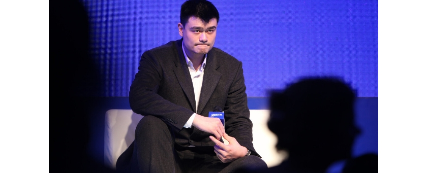 中国男篮问题多多,现任篮联主席姚明却一声不吭!
